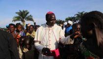 Ituri: les déplacés de Mukambo réconfortés par Monseigneur Sosthène Ayikuli, Evêque du Diocèse de Mahagi-Nioka
