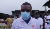 Kinshasa : Caritas sensibilise et distribue des kits de protection contre la Covid19 au marché du Rond-point Ngaba et ses environs
