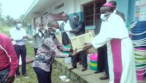 Kwilu : Caritas Kikwit  distribue des matériels et équipements pour lutter contre la Covid-19